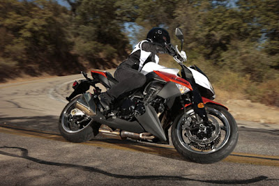 2010 Kawasaki Z1000 in Action