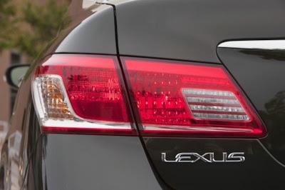2010 Lexus ES 350 Taillight