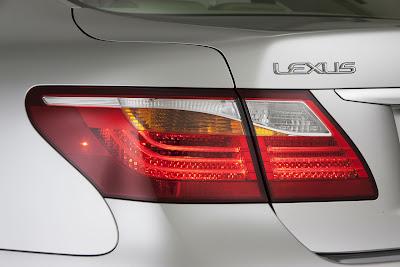 2010 Lexus LS 460 Sport Taillight