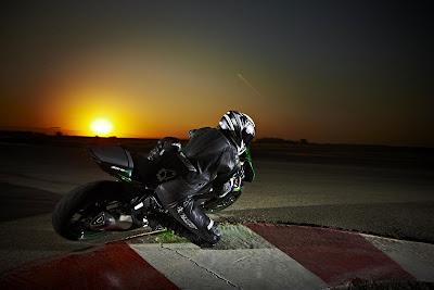 2010 Kawasaki Ninja ZX-6R Rear Angle View