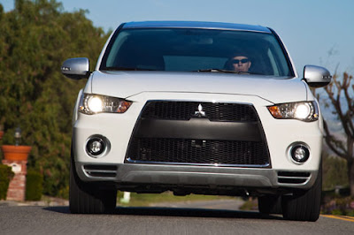 2010 Mitsubishi Outlander GT Front View