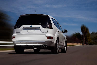 2010 Mitsubishi Outlander GT Rear View