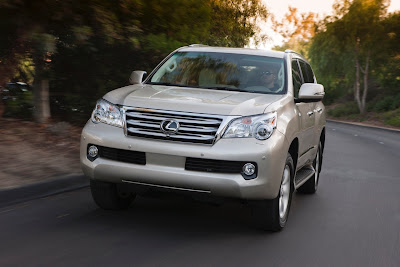 2010 Lexus GX460 Front Angle View