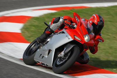 2010 MV Agusta F4 Action