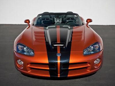 2010 Dodge Viper SRT10 Front View