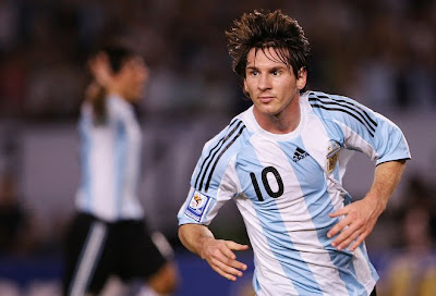 World Cup 2010 Lionel Messi Football Wallpaper
