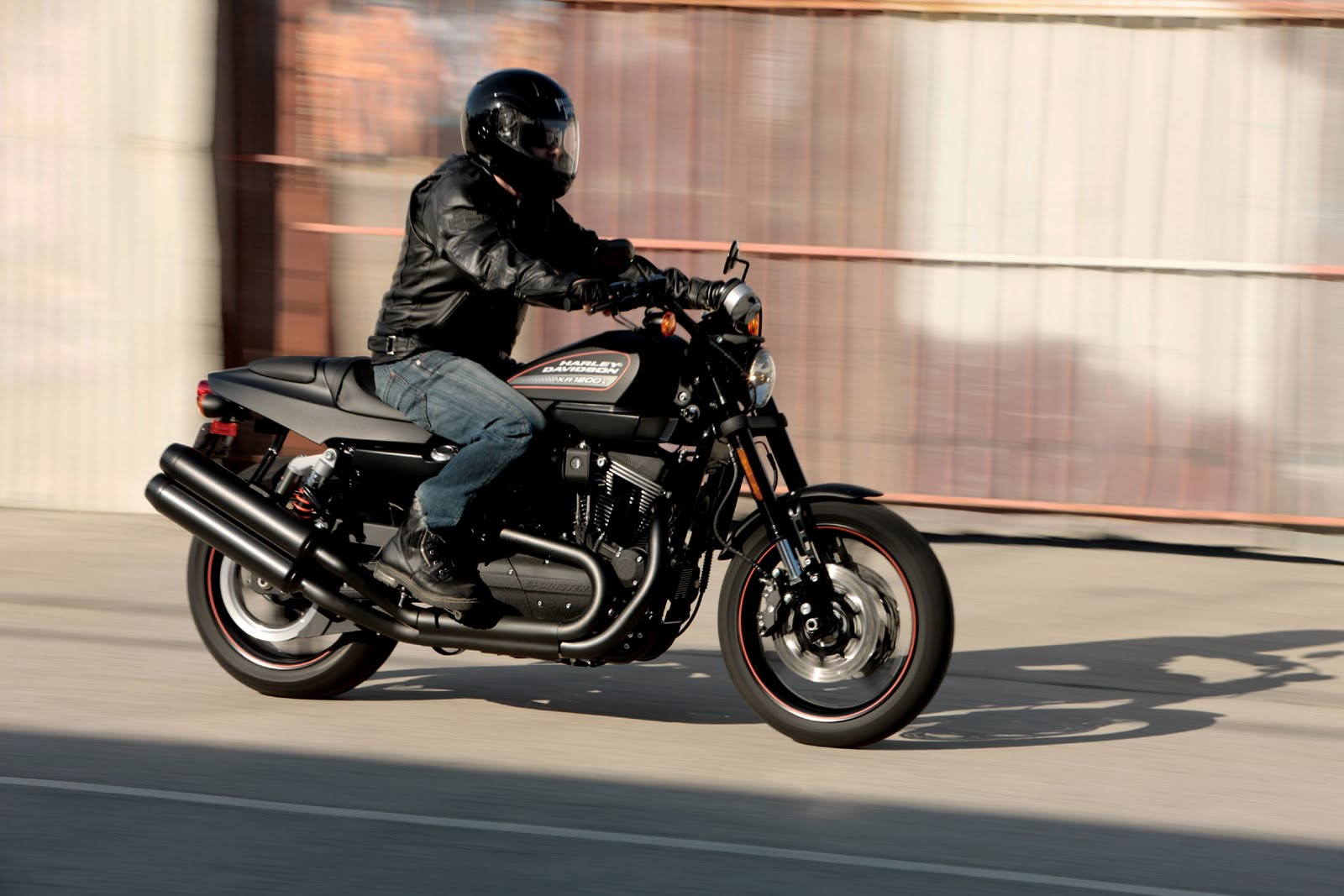2011 Harley-Davidson XR1200X Test Ride title=