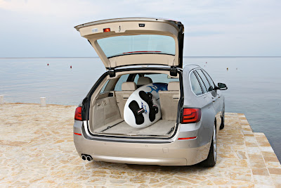 2011 BMW 5 Series Touring Cargo Place
