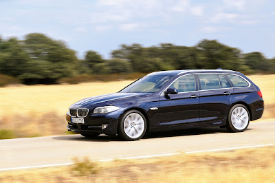 2011 BMW 5 Series Touring Images