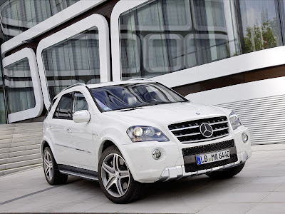 2011 Mercedes-Benz ML 63 AMG Images