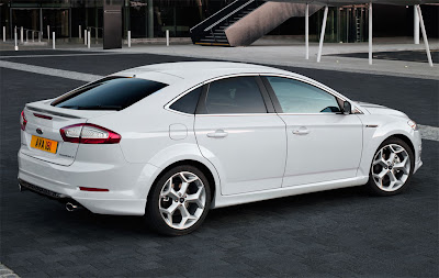2011 Ford Mondeo Rear Side View