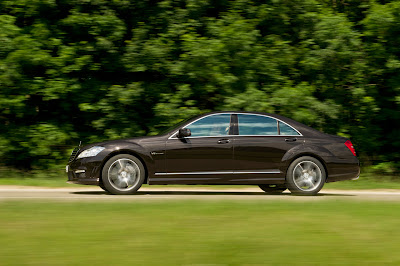 2011 Mercedes-Benz S63 AMG Side Motion View