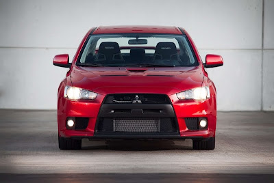 2010 Mitsubishi Lancer Evolution GSR Front View