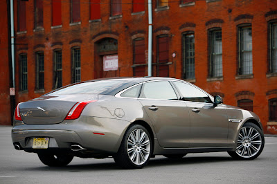 2011 Jaguar XJL Rear Side Angle View