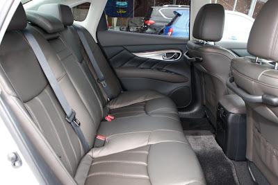 2011 Infiniti M35h Rear Seats