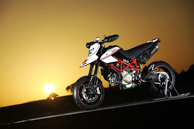 2010 Ducati Hypermotard 1100 EVO SP Sports Bike