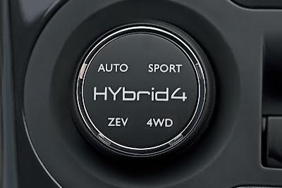 2012 Peugeot 3008 HYbrid4 Badge