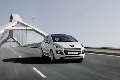 2012 Peugeot 3008 HYbrid4 Official Pictures