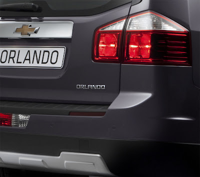 2011 Chevrolet Orlando Taillight and Emblem