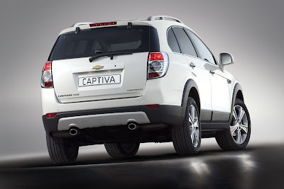 2011 Chevrolet Captiva Rear Angle View