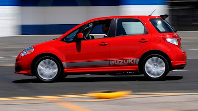 2011 Suzuki SX4 Sportback Side in Motion View