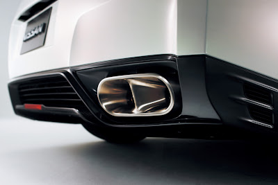 2011 Nissan GT-R Exhaust View