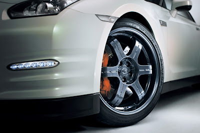 2011 Nissan GT-R Wheel