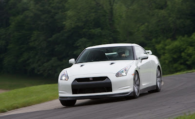 2011 Nissan GT-R Luxury Car