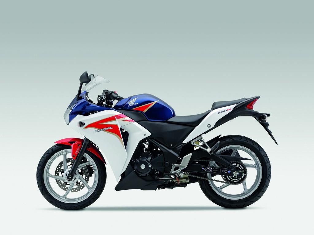 The Bests Of Motorcycle October 2010 All New Cbr 150r Racing Red Salatiga 2011 Honda Cbr250r Sportbike