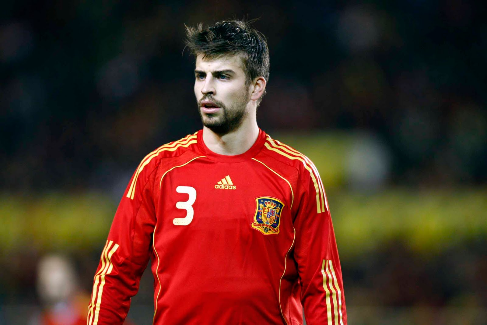 http://1.bp.blogspot.com/_J3_liDBfbvs/TPmn5yUKJmI/AAAAAAAA0Bc/Xd9WrfOs8QY/s1600/Gerard+Pique+Spain+Football+Player.jpg