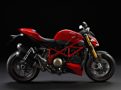 2011 Ducati Streetfighter S Wallpaper