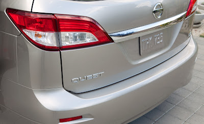 2011 Nissan Quest Taillight and Badge