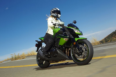 2011 Kawasaki Z1000 Action View