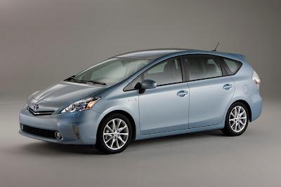 2012 Toyota Prius V Luxury Minivan