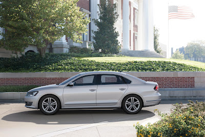 2012 Volkswagen Passat Side View