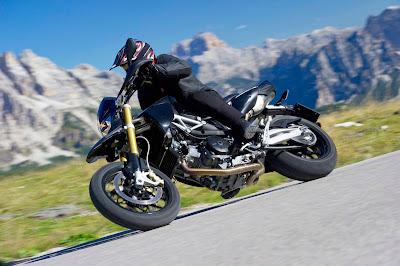 2011 Aprilia Dorsoduro 1200 Sportbike