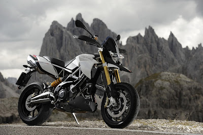 2011 Aprilia Dorsoduro 1200 Photos