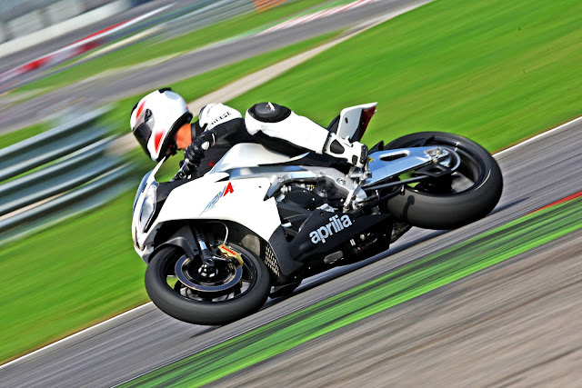 2011 Aprilia RSV4 R Motorcycles