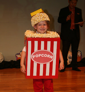 Popcorn Costume How-To  sc 1 st  Pass the Chopsticks & Pass the Chopsticks - Living in Japan: Popcorn Costume How-To