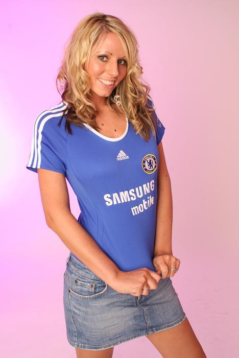 CHELSEAKERS.: SEXY GIRLS FOOTBALL