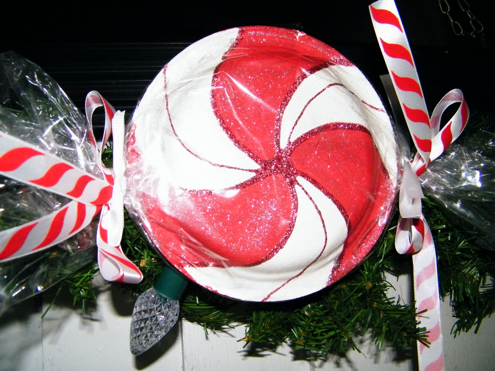 & amy d ...randomly me: paper plate peppermint candy tutorial.