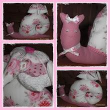 Tilda Schnecke mit Kissen