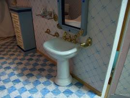 La decoración del baño terminada