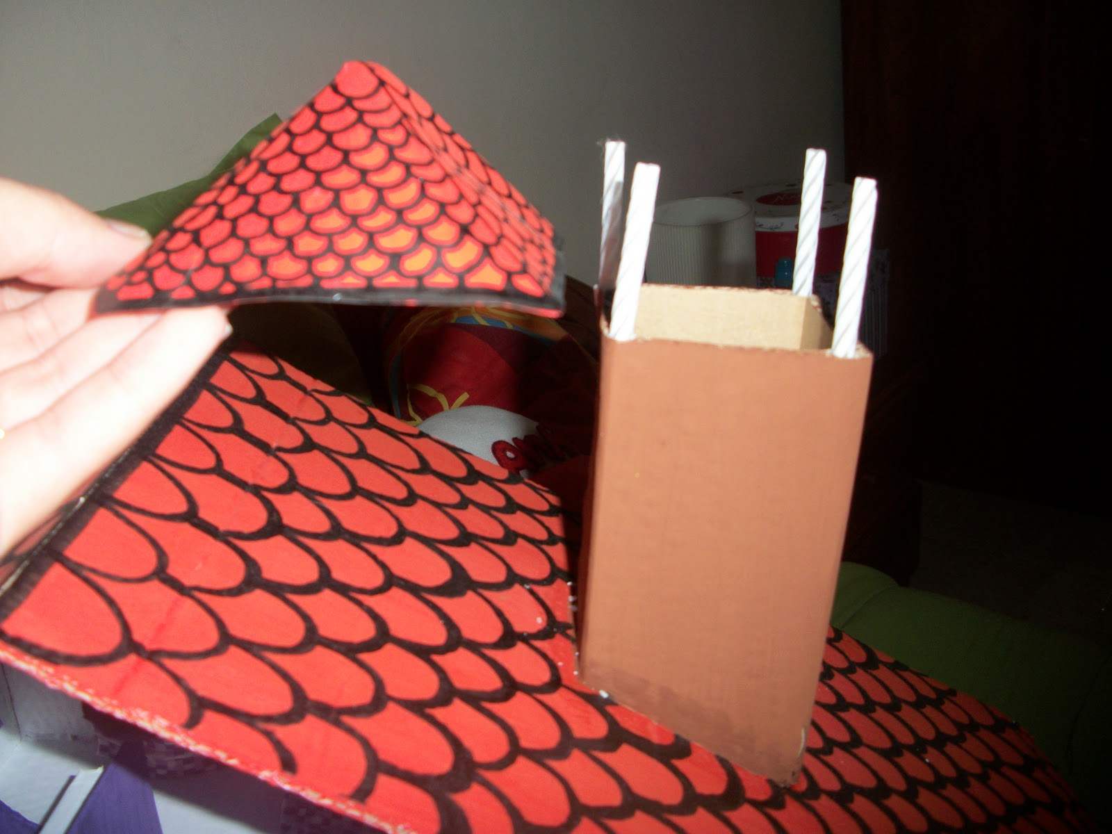 Maravillapinolandia juguete con materiales reciclados - Tipos de tejados para casas ...