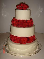 Matrimonio, con rosas rojas