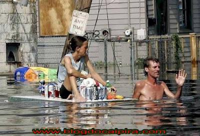 fotos. mesmo com enchente o brasil tem comercio