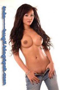 cynthiara Alona bugil, artis telanjang seksi toket montok