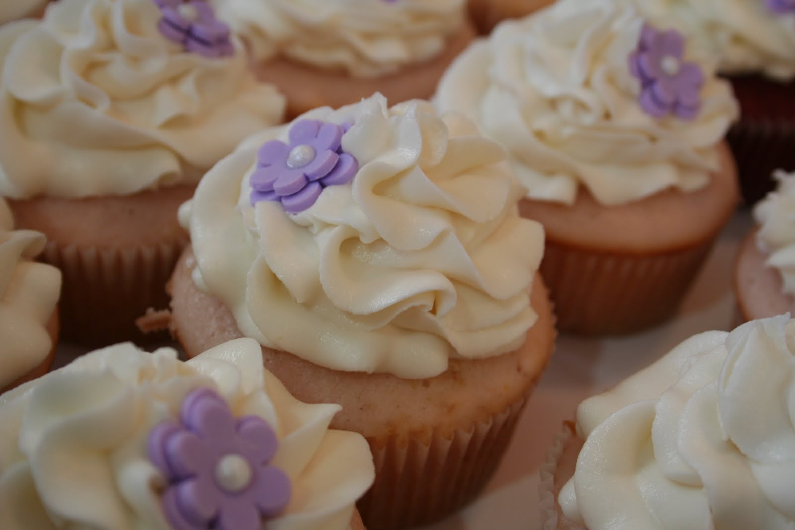 Sweet Grace, Cake Designs: Bridal Shower Cupcakes with Lavender