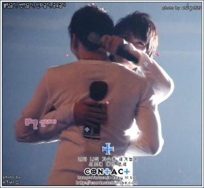 Hug & Hug .. Mas que un sentimiento TVXQ HUG+YOU%21%21%21+%2818%29