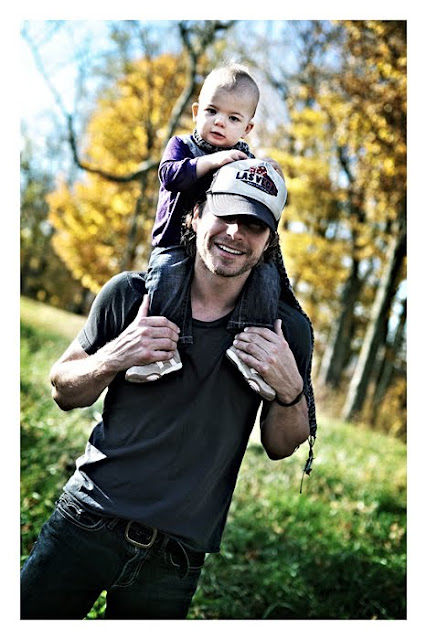 Dierks Bentley And Wife. Dierks Bentley and his